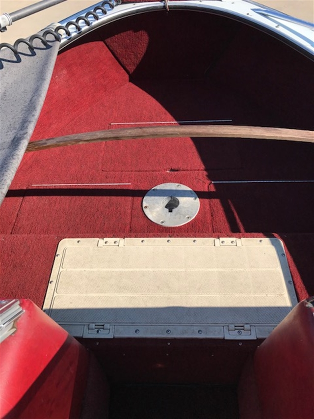 1987 Lund Tyee 53 at Boat Farm, Hinton, IA 51024