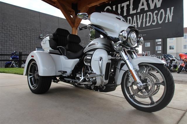 2020 Harley-Davidson CVO CVO Tri Glide at Outlaw Harley-Davidson