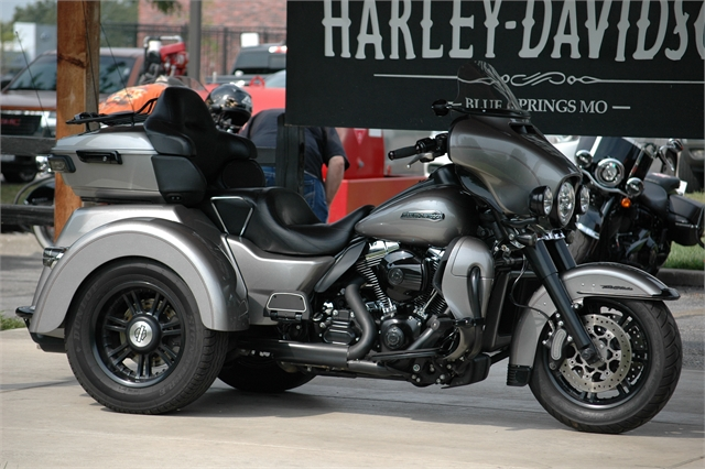 2016 Harley-Davidson Trike Tri Glide Ultra at Outlaw Harley-Davidson
