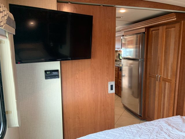 2016 Itasca Solei 34T Rear bedroom at Campers RV Center, Shreveport, LA 71129