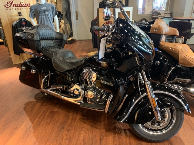 2018 Indian Roadmaster Base at Mungenast Motorsports, St. Louis, MO 63123
