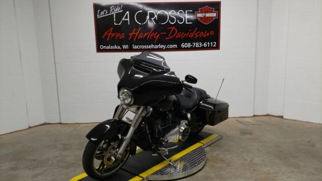 2014 Harley-Davidson Street Glide Base at La Crosse Area Harley-Davidson, Onalaska, WI 54650