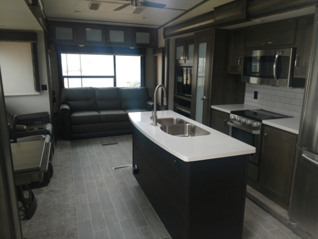 2019 Keystone Montana High Country Rear Living at Campers RV Center, Shreveport, LA 71129