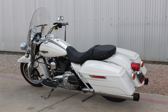 2015 Harley-Davidson Road King Base at Gruene Harley-Davidson