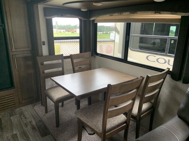 2019 Keystone RV Cougar Half-Ton 29RKS Rear Kitchen at Campers RV Center, Shreveport, LA 71129