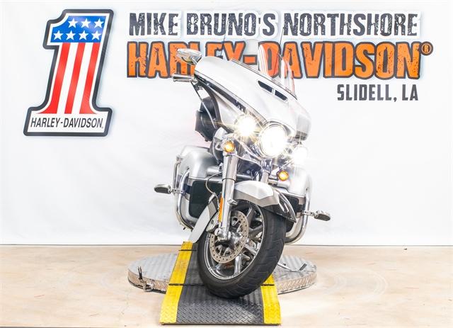 2017 Harley-Davidson Electra Glide CVO Limited at Mike Bruno's Northshore Harley-Davidson