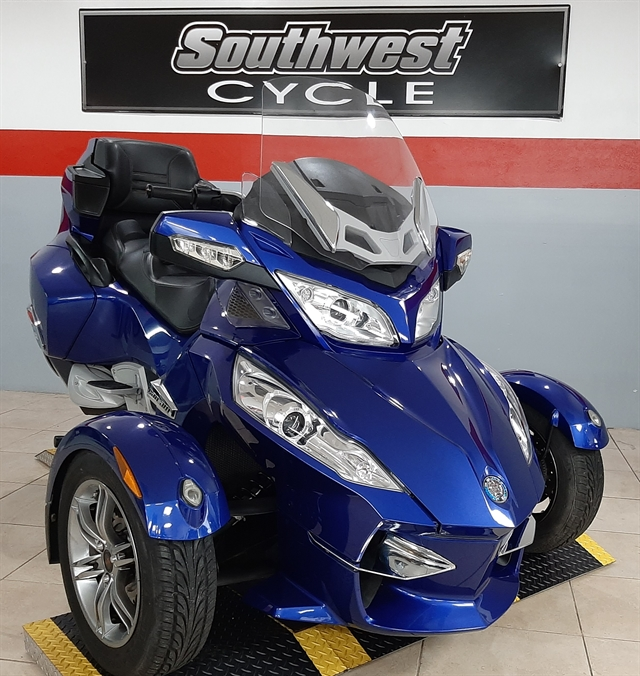 2012 Can-Am Spyder Roadster RT Audio And Convenience at Southwest Cycle, Cape Coral, FL 33909