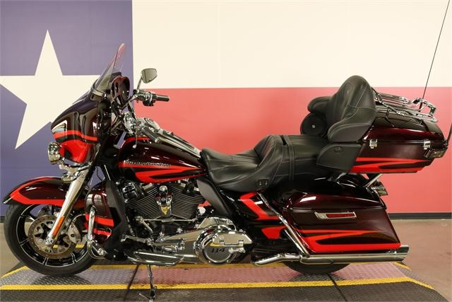 2017 Harley-Davidson Electra Glide CVO Limited at Texas Harley