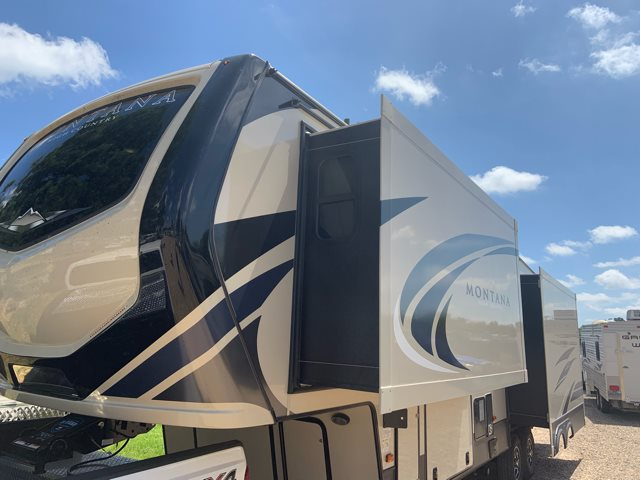 2020 Montana High Country 295RL at Campers RV Center, Shreveport, LA 71129