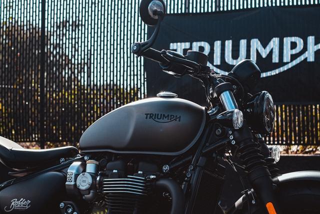 2020 Triumph BONNEVILLE BOBBER BLACK Black at Tampa Triumph, Tampa, FL 33614