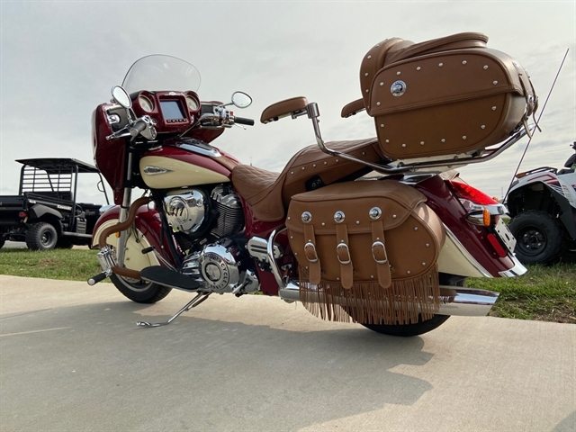 2018 Indian Chieftain Classic at Youngblood RV & Powersports Springfield Missouri - Ozark MO