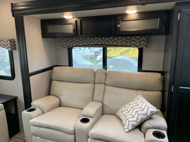 2019 Venture SportTrek Touring Edition STT343VIK Rear Living at Campers RV Center, Shreveport, LA 71129