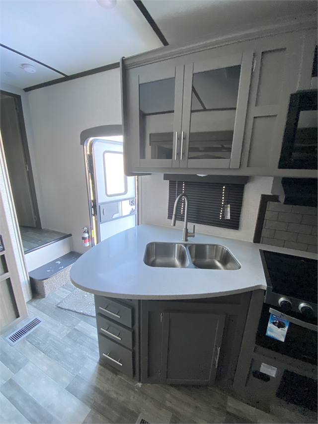 2021 CrossRoads Volante 5th Wheel VL270BH at Lee's Country RV