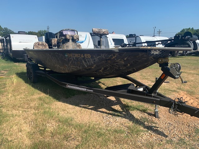 2017 War Eagle Black Hawk 2170 at Campers RV Center, Shreveport, LA 71129
