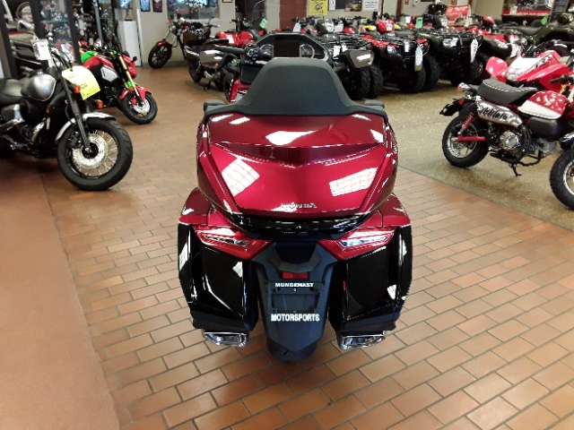 2018 Honda Gold Wing Tour Airbag DCT at Mungenast Motorsports, St. Louis, MO 63123