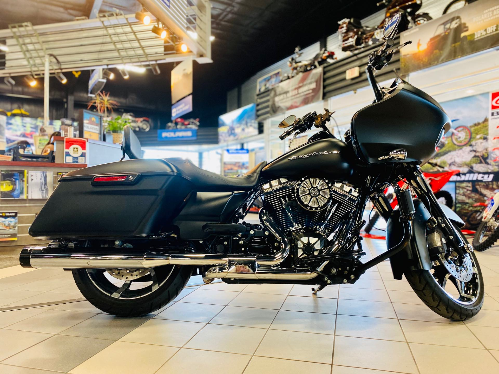 2015 Harley-Davidson Road Glide Base at Rod's Ride On Powersports