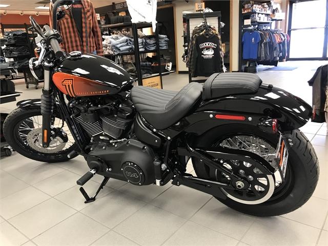 2021 Harley-Davidson Cruiser FXBBS Street Bob 114 at Rooster's Harley Davidson