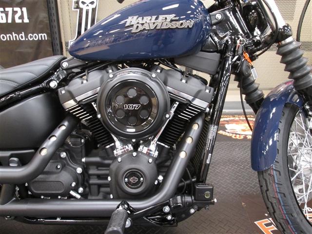 2019 Harley-Davidson Softail® Street Bob® at Hunter's Moon Harley-Davidson®, Lafayette, IN 47905