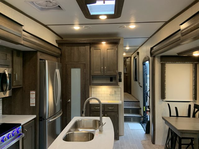 2019 Keystone Montana High Country 385BR Mid Bunk at Campers RV Center, Shreveport, LA 71129