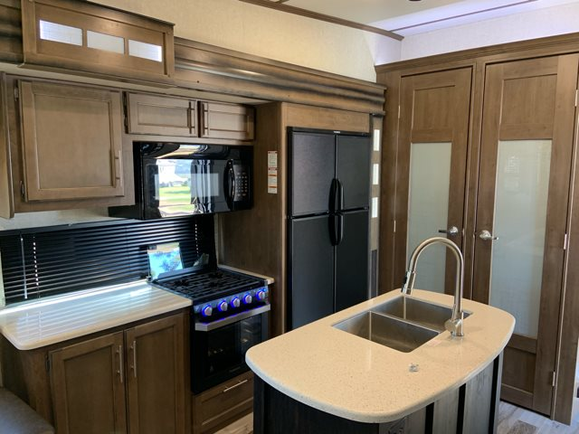 2019 Keystone Cougar 338RLK Rear Living at Campers RV Center, Shreveport, LA 71129