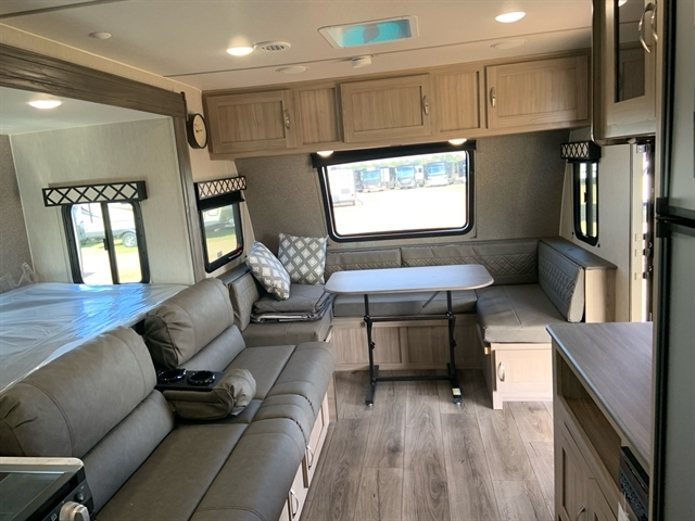 2020 Coachmen Freedom Express at Campers RV Center, Shreveport, LA 71129