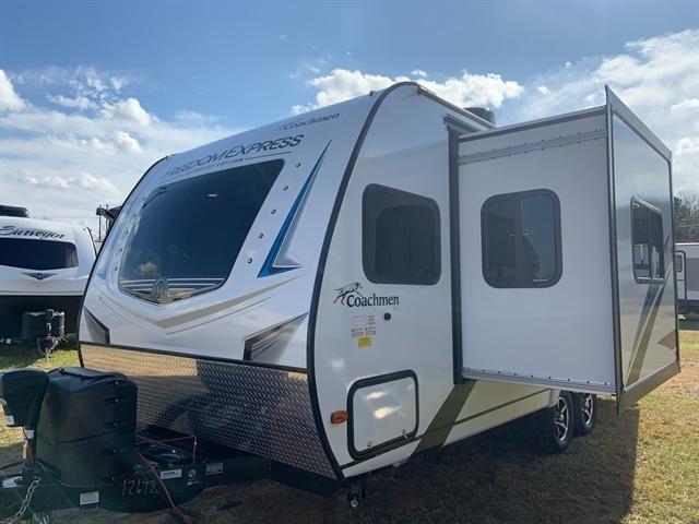 2020 Coachmen Freedom Express at Campers RV Center, Shreveport, LA 71129