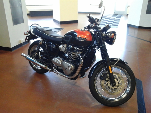 2020 Triumph Bonneville T120 Black at Yamaha Triumph KTM of Camp Hill, Camp Hill, PA 17011