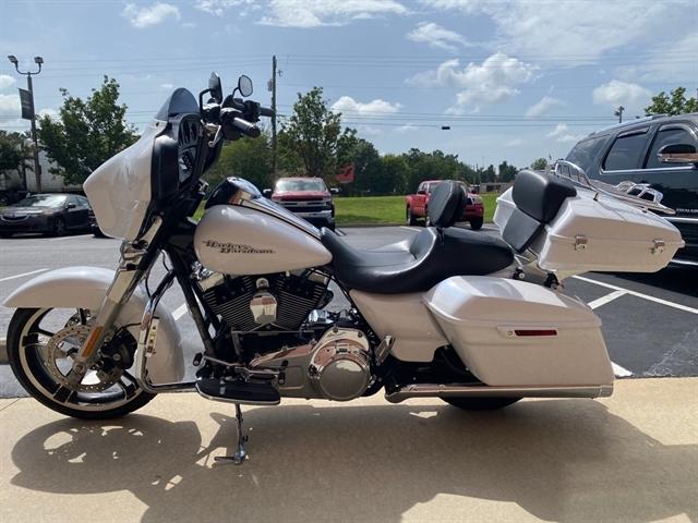 2016 Harley-Davidson Street Glide Base at Harley-Davidson of Macon