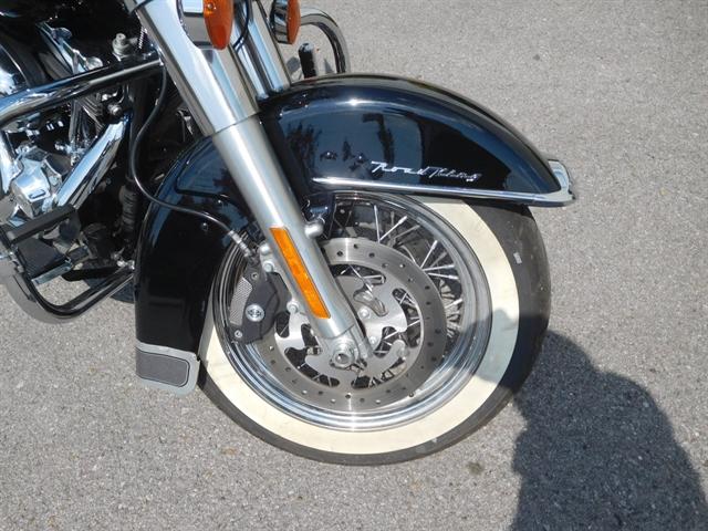 2013 Harley-Davidson Road King Classic at Bumpus H-D of Murfreesboro