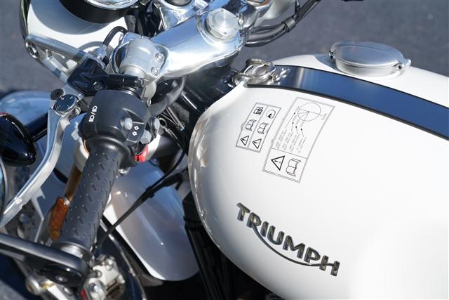 2018 Triumph Thruxton 1200 R at Tampa Triumph, Tampa, FL 33614