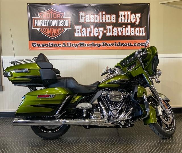 2017 Harley-Davidson Electra Glide CVO Limited at Gasoline Alley Harley-Davidson (Red Deer)