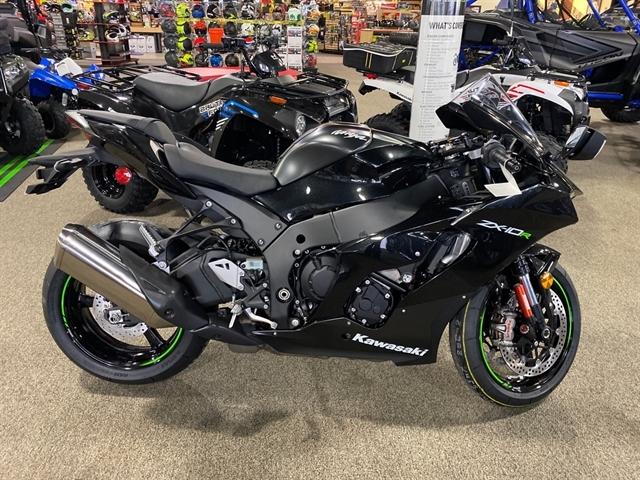 2021 Kawasaki Ninja ZX-10R Base at Dale's Fun Center, Victoria, TX 77904