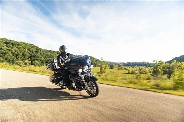 2021 Harley-Davidson Touring CVO Limited at Gruene Harley-Davidson