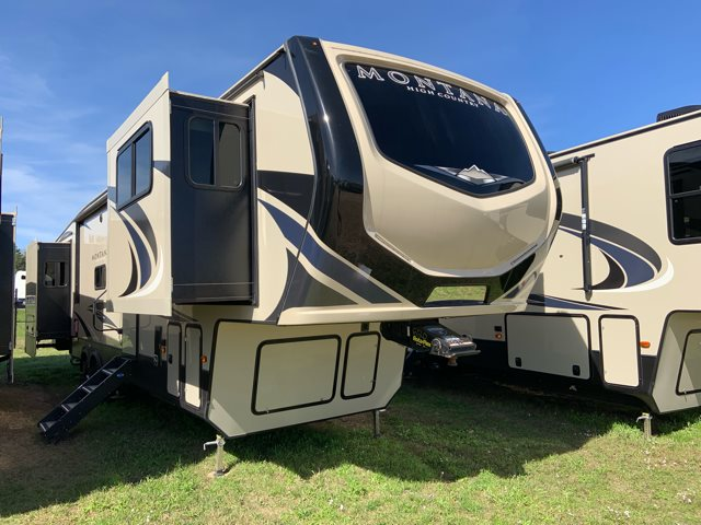 2019 Keystone RV Montana High Country 375FL at Campers RV Center, Shreveport, LA 71129