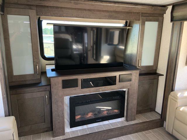 2019 Keystone RV Montana High Country 375FL Front Living at Campers RV Center, Shreveport, LA 71129