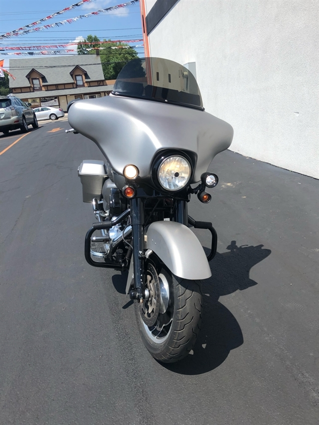 2009 Harley-Davidson Street Glide Base at Thunder Harley-Davidson