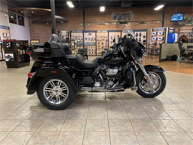 2021 Harley-Davidson Trike Tri Glide Ultra at Bumpus H-D of Jackson