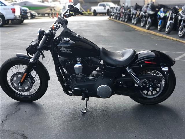 2017 Harley-Davidson Dyna Street Bob at Lynnwood Motoplex, Lynnwood, WA 98037