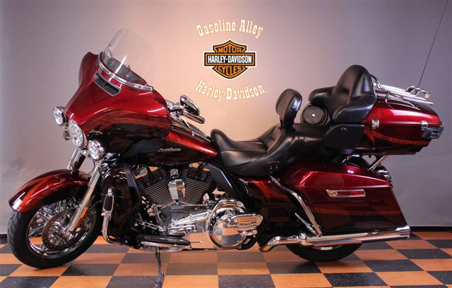 2014 Harley-Davidson Electra Glide CVO Limited at Gasoline Alley Harley-Davidson (Red Deer)