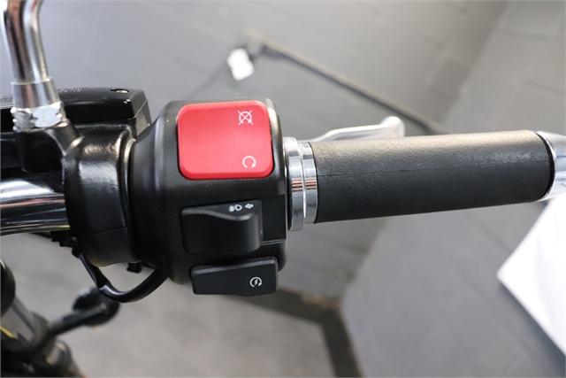 2015 YAMAHA XV19CFGY at Used Bikes Direct