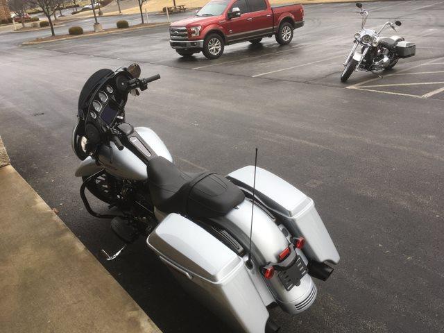 2019 Harley-Davidson Street Glide® Special at Bluegrass Harley Davidson, Louisville, KY 40299