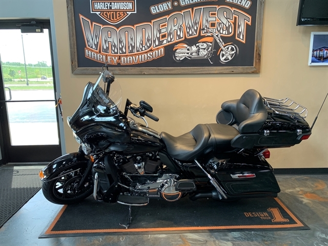 2018 Harley-Davidson Electra Glide Ultra Limited at Vandervest Harley-Davidson, Green Bay, WI 54303