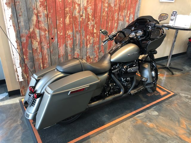 2019 Harley-Davidson Road Glide Special at Vandervest Harley-Davidson, Green Bay, WI 54303