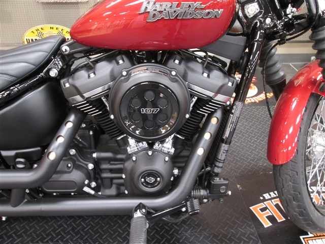 2018 Harley-Davidson Softail Street Bob at Hunter's Moon Harley-Davidson®, Lafayette, IN 47905