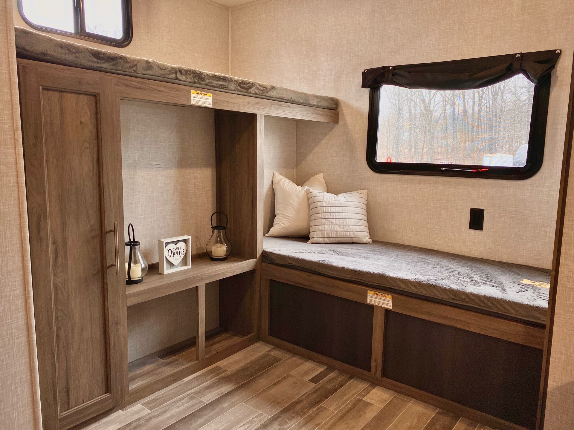 2022 CrossRoads Zinger ZR328SB at Lee's Country RV