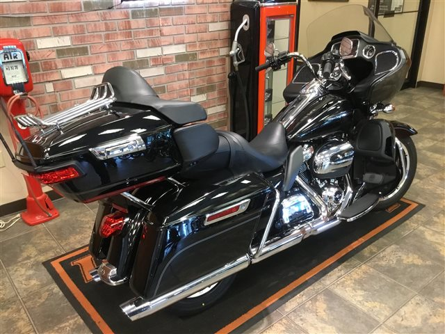 2017 Harley-Davidson Road Glide Ultra at Bud's Harley-Davidson Redesign