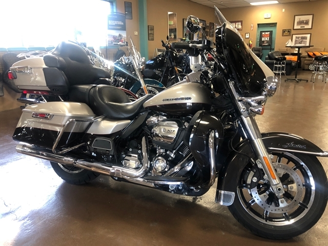 2018 Harley-Davidson Electra Glide Ultra Limited at Palm Springs Harley-Davidson®