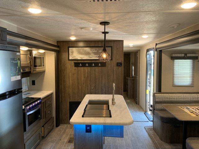 2020 Palomino Puma 31RLQS Rear Living at Campers RV Center, Shreveport, LA 71129