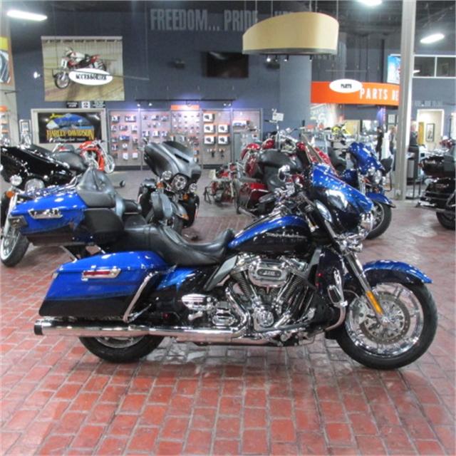 2014 Harley-Davidson Electra Glide CVO Limited at Bumpus H-D of Memphis
