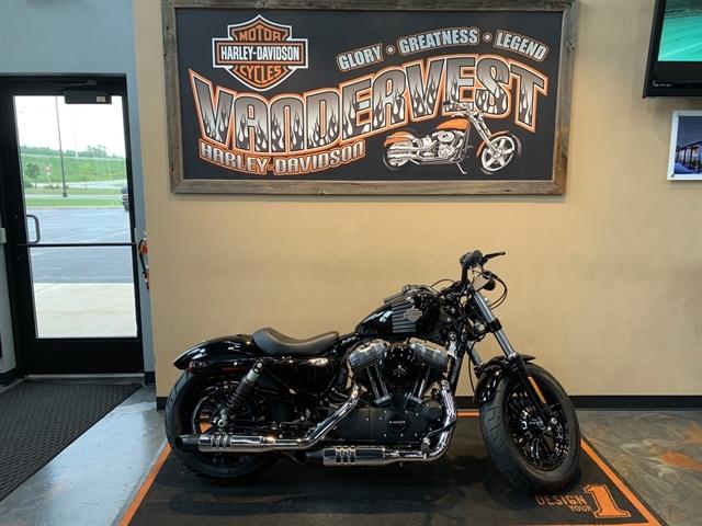 2017 Harley-Davidson Sportster® Forty-Eight® at Vandervest Harley-Davidson, Green Bay, WI 54303